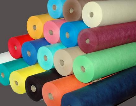 mua vải không dệt - mẫu cuộn vải Phú An