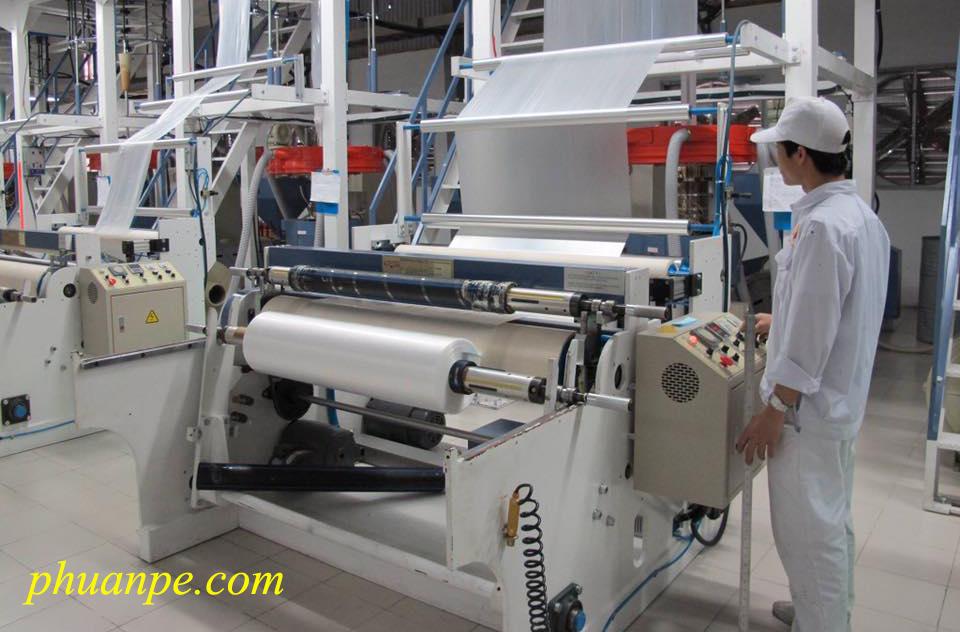 sản xuất màng pe tại phú an