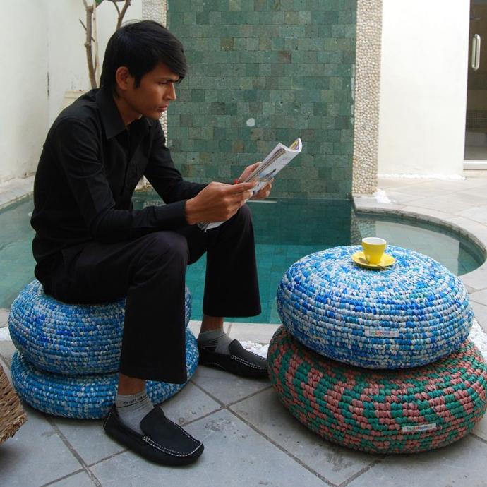 tái chế túi nilon- làm bàn ghế
