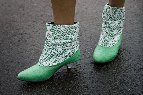 tái chế túi nilon - giày dép