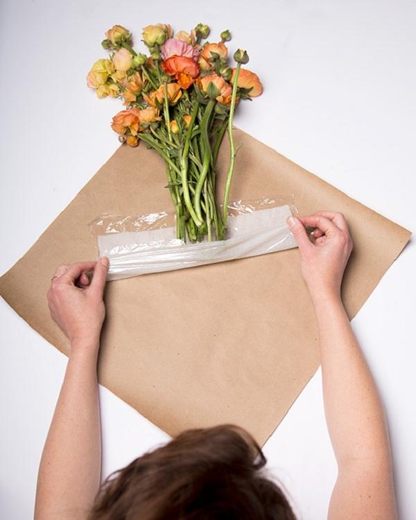 ứng dụng màng pe trong gói hoa